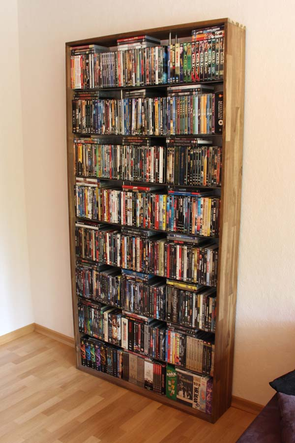 diy anleitung f r dvd regal aus holz und metall im vintage. Black Bedroom Furniture Sets. Home Design Ideas
